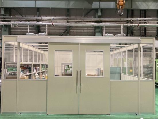 工場内に備品管理用の部屋を作る間仕切り施工をさせていただきました!